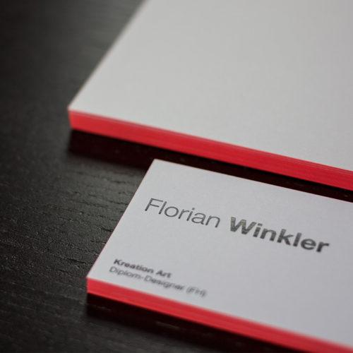 Visitenkarten mit metapaper Heißfolienprägung schwarz und Farbschnitt neon