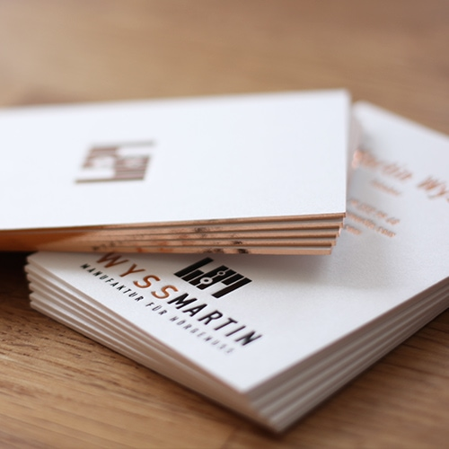Sonderanfrage Visitenkarten mit Folienschnitt in Roségold-kupfer metallic