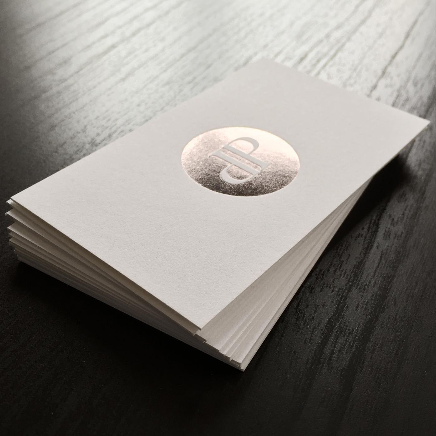 Visitenkarten mit Folienprägung graphit