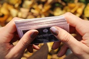 Exklusive Visitenkarten mit Folienschnitt Farbe Kupfer