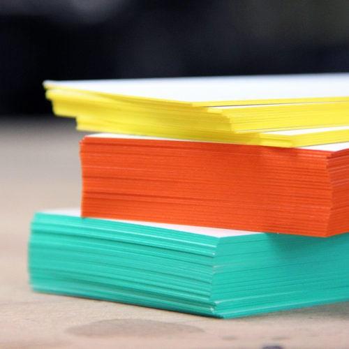 Visitenkarte mit Farbschnitt Sonderfarbe Pantone HKS - Farbschnitt Berlin Brandenburg