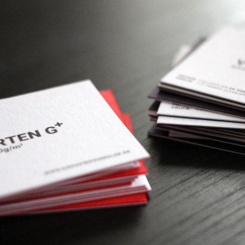 Sandwich Visitenkarten doppelt kaschiert und mit Sonderfarbe bedruckt