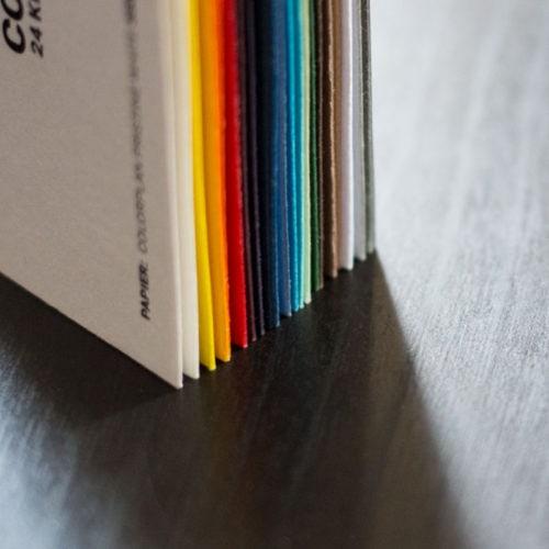 Visitenkarten mit farbigen Papieren von Colorplan