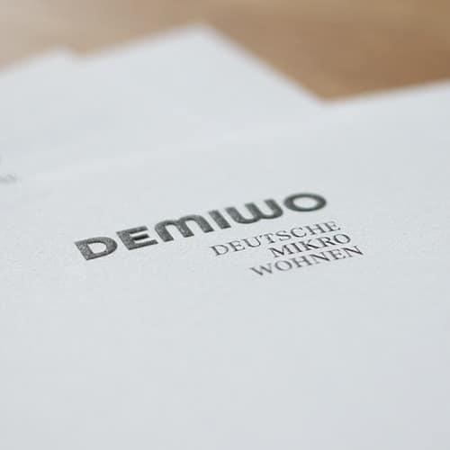 Businessset Briefbogen mit Hochprägung und schwarzdruck