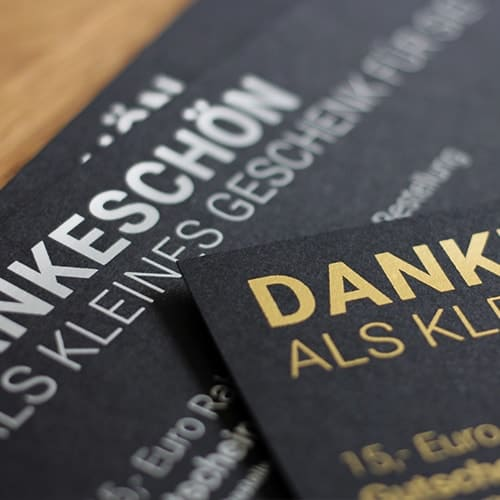 schwarze Karten digitale metallic Folie gold silber matt sleeking