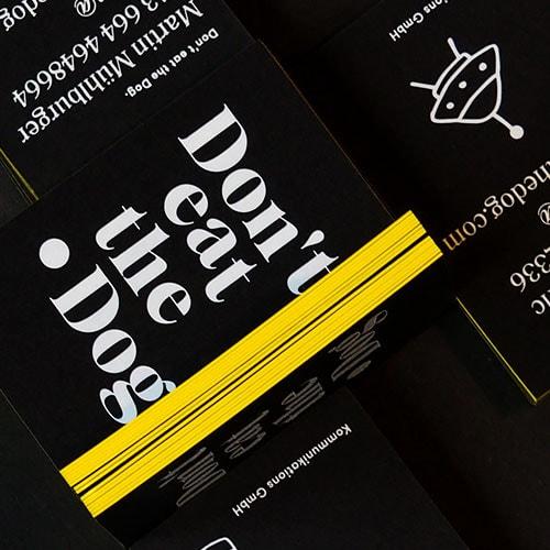 Schwarze Visitenkarten Mit Folienfarbschnitt Die Papierveredler